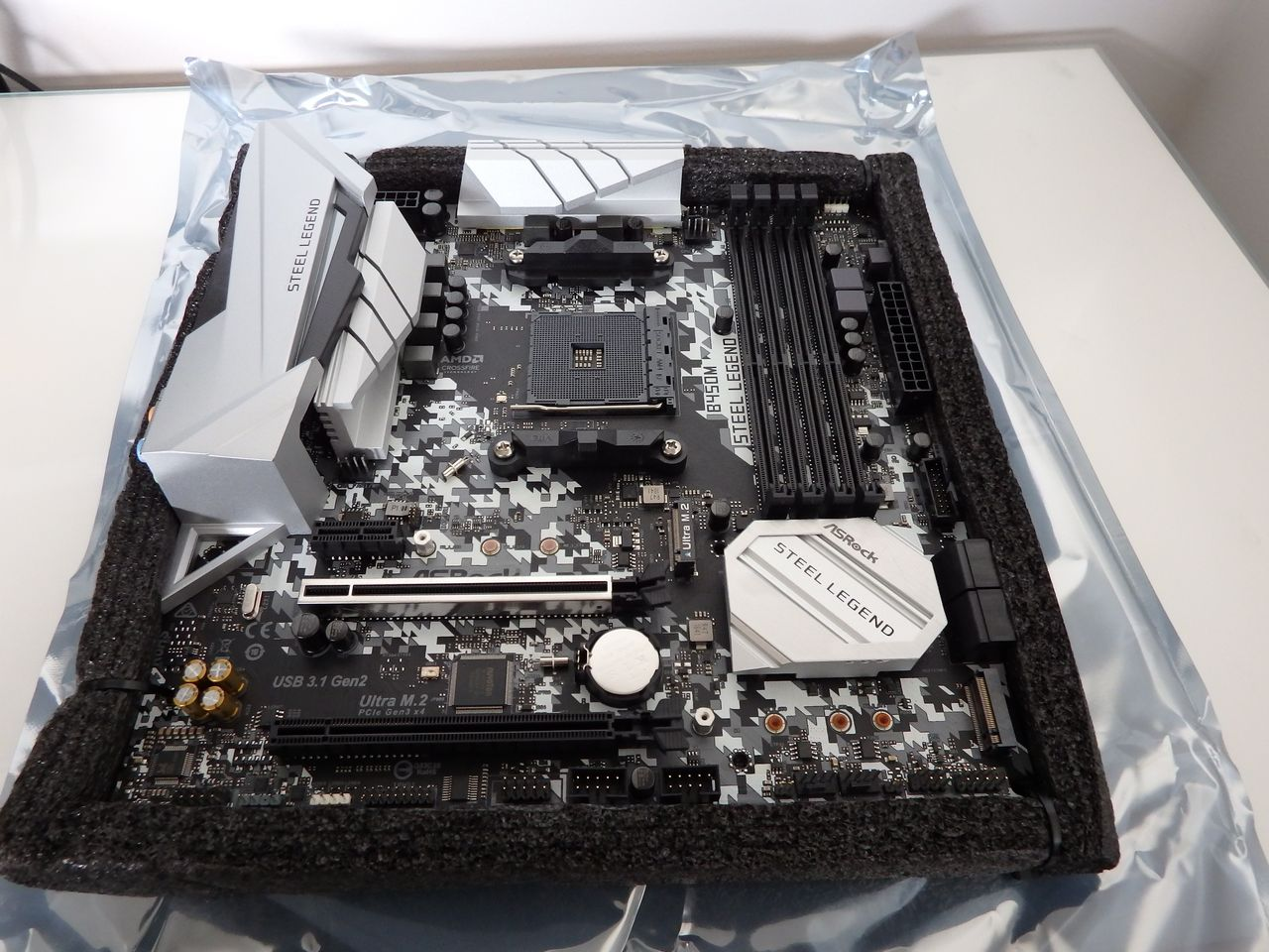 ASRock-B450M_Steel_Legend-boxing08