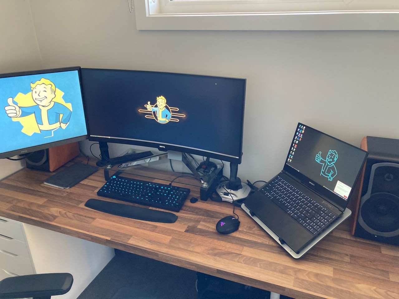 Desk Layout