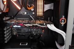 ASUS_STRIX-X470-F-Gaming-hyperX09